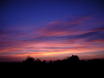 violettes Himmelsfeuer